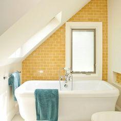 zonnig geel , Badkamer op zolder