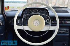 Mercedes-Benz W114 rok 1971