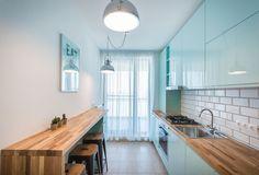 Ce se întâmplă atunci când arhitecta Oana Gavrilă, de la Diez Office, începe să spună povești? Se naște apartamentul Copper, pe care probabil îl știi deja, o sursă ingenioasă de inspirație pentru decorul de acasă. Decor, Home, House Design, Sweet Home, New Homes, Kitchen, Kitchen Interior, Interior Design Kitchen, Interior Design
