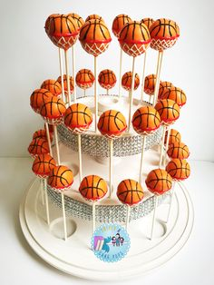 Basketball Birthday Parties, Grad Parties, Cake Girls, Girl Cakes, Basketball Cake Pops, Cake Pop Designs, Cookie Recipes, Vegan Recipes, Party Themes