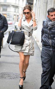 La ex Spice Girls, Victoria Beckham, fue vista ingresando a un evento en Milán, Italia. La ex cantante, Victoria Beckham, lucía un corto abr...
