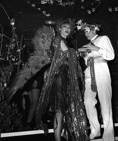 1978 -Loulou de la Falaise & Thadée Klossowski at Le Palace. Gloria Vanderbilt, Night Club, Night Life, Le Palace, Irish Fashion, Le Smoking, See Through Blouse, Studio 54, Angels And Demons