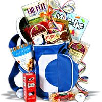 Google Image Result for http://www.gourmetgiftbaskets.com/images/products/Golf-Gift-Baskets/Golfers-Dream-Golf-Gift-Basket_small.jpg