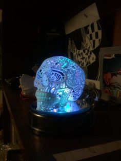 Quarterly Co: Caveiras 3D que brilham no escuro!
