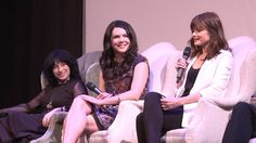 Watch the full Gilmore Girls reunion panel, presented by the ATX Festival and Entertainment Weekly. Lorelai Gilmore, Gilmore Girls, Amy Sherman Palladino, Lauren Graham, Alexis Bledel, Feeling Lonely, Entertainment Weekly, Couple Photos, Concert
