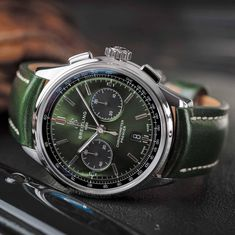 "2528be95da7 Relógios   Relógios on Instagram  ""Breitling Premier B01 Chronograph 42  Bentley British Racing Green"