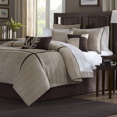 CAL King size 7-Piece Bed in a Bag Comforter Set in Beige Brown