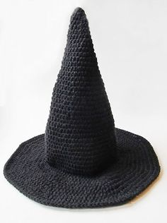 How to crochet a witch hat for Halloween ,, great pattern and was easy enough to adjust the height of the hat ,,, we have two really tall ones and one baby sized !!