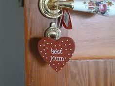 mum DIY hanging heart