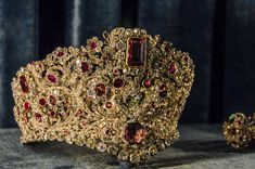 Ruby and diamond tiara of Queen Therese of Bavaria, Part of a parure consisting of tiara, necklace, earrings, and two bracelets. Royal Crown Jewels, Royal Crowns, Royal Tiaras, Royal Jewelry, Tiaras And Crowns, Bling Bling, Antique Jewelry, Vintage Jewelry, Family Jewels