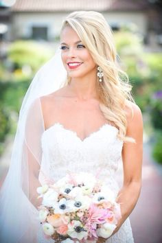 Wedding makeup for the classic bride! Red lip + winged liner #redlip #wingedliner #classicweddingmakeup   www.mygirlsonfilmstudios.com  Photo: We Are Half Full