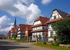 Le joli village de Seebach près de Wissembourg. // The beautiful village of Seebach near Wissembourg. #Seebach #BasRhin #OutreForêt
