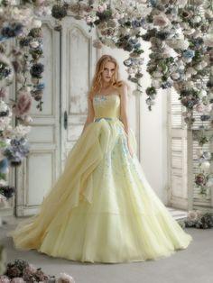 松尾のウェディングドレス、メンズフォーマルウェアのサイト Wedding Dress Trends, Gorgeous Wedding Dress, Wedding Ideas, Bridal Gowns, Wedding Gowns, Ballroom Gowns, Princess Prom Dresses, Beautiful Costumes, Shades Of Yellow
