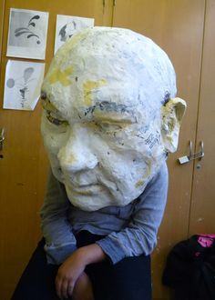 big head project - have mini lessons with play dough... how to make an eye, how to make a nose, how to make an ear and so on - build up to making a huge head.