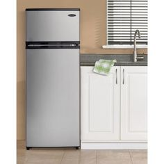 Make back to school easy with a Danby mini fridge #mydanby #dorm ...