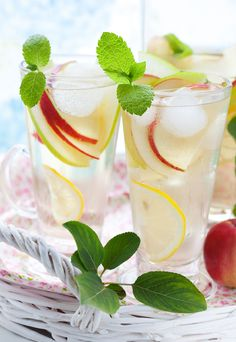 Julio's Liquors presents a white wine sangria recipe that we can all get behind. Mix up your usual sangria with this white wine sangria recipe. Gin Cocktail Recipes, Sangria Recipes, Cocktails, Summer Drinks, Cold Drinks, Refreshing Drinks, Swallow Food, White Wine Sangria, Spirit Drink