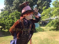 UK's top Mad Hatter lookalike to hire for Alice in Wonderland themed events, weddings and parties. Happy to travel internationally. Can MC events as well as meet guests and mingle for photos. Johnny Depp Mad Hatter, Uk Parties, Mad Hatter Tea, Wedding Entertainment, Red Queen, Through The Looking Glass, Kids Events, Look Alike, Corporate Events