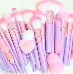 https://slmissglambeauty.com/products/lilac-glam-brush-book-1