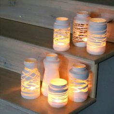 yarn wrapped painted jars- Wrap some yarn or twine around a jar, paint it, and peel the yarn away once it's dry: you'll be left with a gorgeous luminary for tea lights or candles Glass Jars, Mason Jars, Crafts To Do, Diy Gifts, Diy Wedding, Christmas Diy, Diys, Diy Projects, Candles