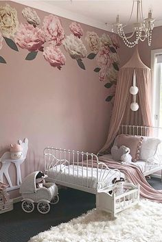 Inspiration from Instagram - Amanda @lilylovesluka - pastel girls room ideas, pink and white girls room design, kidsroom decor, girls kidsroom, powder, детская девочки, decor, design