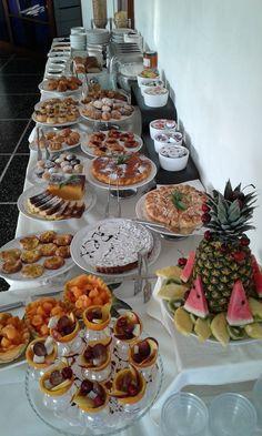 il nostro Buffet Imperiale #rexappeal Brunch Buffet, Party Buffet, Dessert Buffet, Hotel Breakfast Buffet, Open Buffet, Buffet Set Up, Breakfast Catering, Wedding Buffet Food, Ice Pop Recipes