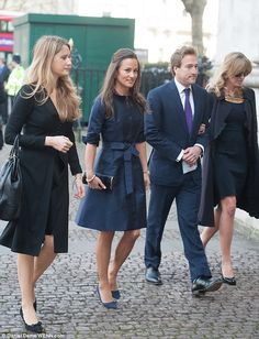 Pippa Middleton was joined by Ben and Marina Fogle as she made her way into Westminster Abbey  Read more: http://www.dailymail.co.uk/femail/article-2579988/Sir-David-Frosts-memorial-service-Pippa-Middleton-Sienna-Miller-Lara-Stone-glamorous-guests.html#ixzz2vqrIf1AN  Follow us: @MailOnline on Twitter | DailyMail on Facebook