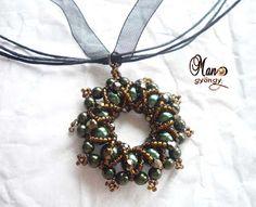 'Mano' gyöngyékszer tervező kézműves ékszerei: medál