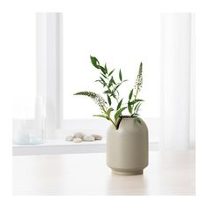 IKEA - GRADVIS, Vase, green, Use the vase with flowers or alone, as a beautiful object in its own right. Vase Vert, Gris Taupe, Ikea Family, Closer To Nature, Green Art, Affordable Furniture, Bud Vases, Geometric Shapes, Decoration