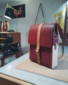 Sac à dos en bois et cuir , cousue à la main, Damien Béal www.damienbeal.fr