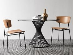Fifties chairs (tanned leather) and Vortex table (glass) by Calligaris - check our catalogues and create your own combo Round Dining Table, Dining Chairs, Home Furniture, Furniture Design, Interior Styling, Interior Design, Leather Lounge, Metal Chairs, Glass Table