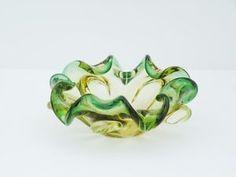Vintage-Swirly-Art-Glass-Decorative-Dish-Bowl-Ashtray-Green-Gold-Pattern