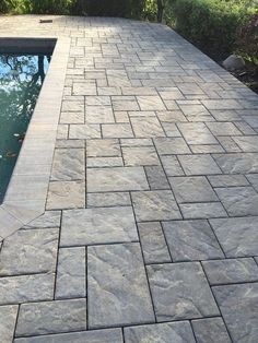 Mounting a Block or Paver Walkway – Outdoor Patio Decor Concrete Patios, Concrete Patio Designs, Paver Designs, Backyard Patio Designs, Backyard Landscaping, Landscaping Ideas, Pavers Ideas, Stamped Concrete Driveway, Stamped Concrete Patterns
