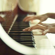 Aquela música que te faz lembrar de alguém especial!