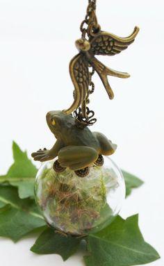 Pusteblumen Moos & Frosch Kette FabelHaft  von Dany-cards-and-more auf DaWanda.com