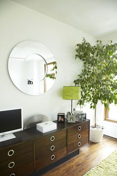 Indoor tree + love the drawers - especially the circular handles!