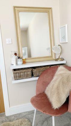 Room Ideas Bedroom, Bedroom Layouts, Home Decor Bedroom, Cozy Room, Minimalist Home, New Room, Cozy House, Room Inspiration, Makeup Vanities