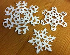 Here are some easy ways on how to make paper snowflakes. With this tutorial, you are able to create some snowflakes models faster with easy understanding. Paper Snowflakes, How To Make Paper, Create, Easy