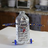 You don't have to have metal parts to create an awesome robot for kids. Use common items you already have on hand to create different robotic looks, and have your kids wage a robot war or make a play with your robots. Aluminum foil is a key robot ingredient. Make sure you have plenty on hand to make your new robot shine.
