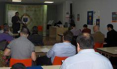 Roberto Cerrada dirige el Seminario de Alto Impacto que se celebró el 19 de abril en el salón de actos de COACMALAGA.