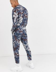 ASOS DESIGN relaxed jumpsuit with utility styling in floral print Harem Pants, Latest Trends, Asos, Floral Prints, Jumpsuit, Stuff To Buy, Dresses, Design, Style