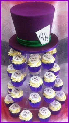 Madhatter cake and Cupcakes - Cake by Rachel