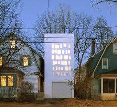 PARA-project inserts haffenden house between two suburban homes - designboom | architecture & design magazine