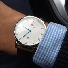 The sleek Dapper Bristol is a 38 mm watch from the Dapper collection, introducing deep blue hands, Roman numerals and date display. Made from genuine Italian leather, the deep brown Bristol strap can be paired with a silver or rose gold case, which makes for a slender and sophisticated watch with a high-end look. Designed with timeless elegance in mind, the Dapper Bristol is a great addition to any wardrobe and goes with all styles and ages. Be your own style icon and speak for a handsome…