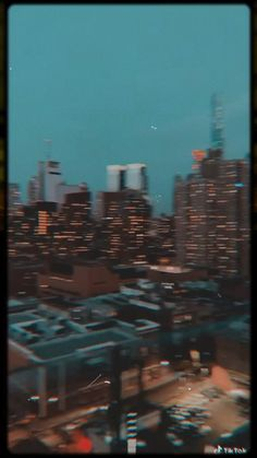 Night Aesthetic, City Aesthetic, Aesthetic Movies, Aesthetic Videos, Aesthetic Pictures, Iphone Wallpaper Tumblr Aesthetic, Aesthetic Pastel Wallpaper, Aesthetic Wallpapers, City Wallpaper