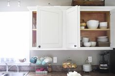 paint kitchen cabinets white in one weekend without removing doors