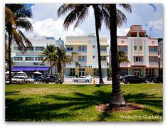 Miami Beach: Ocean Drive Art Deco Hotels - Miami Beach - The Penguin, the Crescent and the McAlpin hotels Hotels in Ocean Drive! Art Deco Hotel, Miami Art Deco, South Beach Miami, South Florida, Dade City, Florida Hotels, Miami Vice, Ocean Drive, City Beach