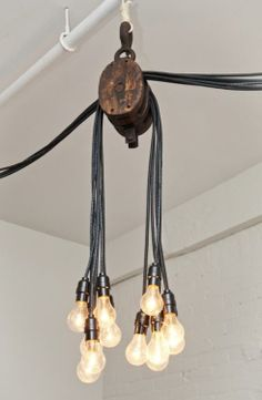 DIY pulley light bulbs lamp for living area-asap! Pulley Light, Lamp Light, Diy Light, Industrial Chic, Industrial Design, Industrial Chandelier, Industrial Industry, Industrial Farmhouse, Industrial Style