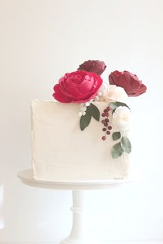Hello Naomi - Cupcakes + Cookies / Wedding Cake