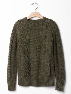 Cable knit sweater Product Image