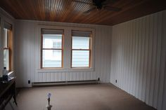 Home Decorating Try It For Yourself House by Holly: Knorrige Kiefer malen oder knorrige Kiefer nicht Painted Paneling Walls, White Wood Paneling, Painting Wood Paneling, Paneled Walls, Painted Pine Walls, Basement Painting, Knotty Pine Paneling, Knotty Pine Walls, Wooden Wall Panels